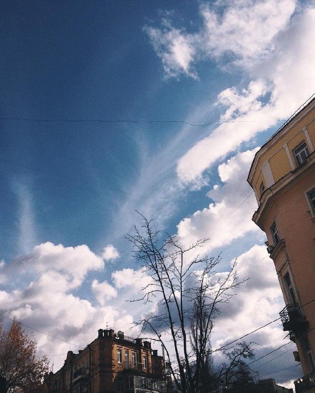 Ну есть ведь разница между весенним небом и зимним! Фото: @anastasiazi