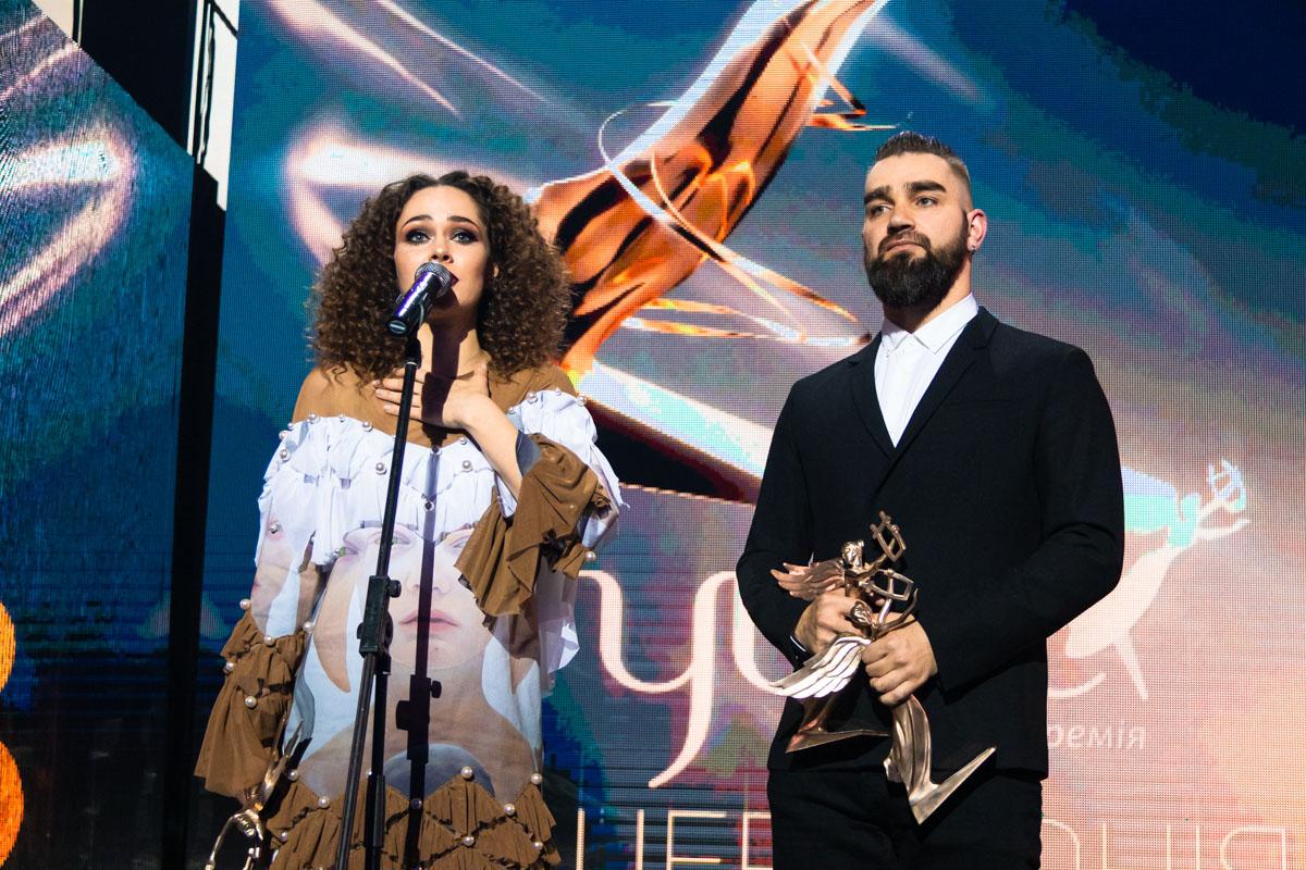 """The Hardkiss отхватили несколько наград: """"Лучшая рок-группа"""", «Лучший альбом» и «Лучшее концертное шоу»"""