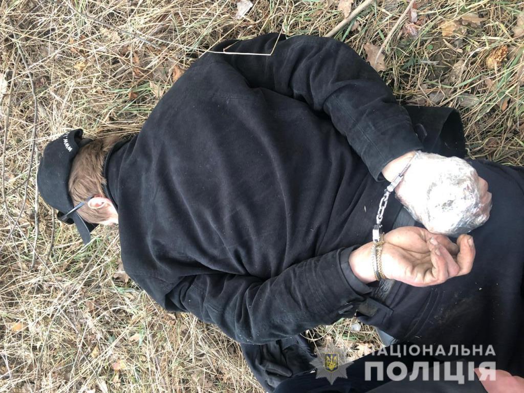 В Боярке во время погони мужчина угрожал бросить гранату в полицейских