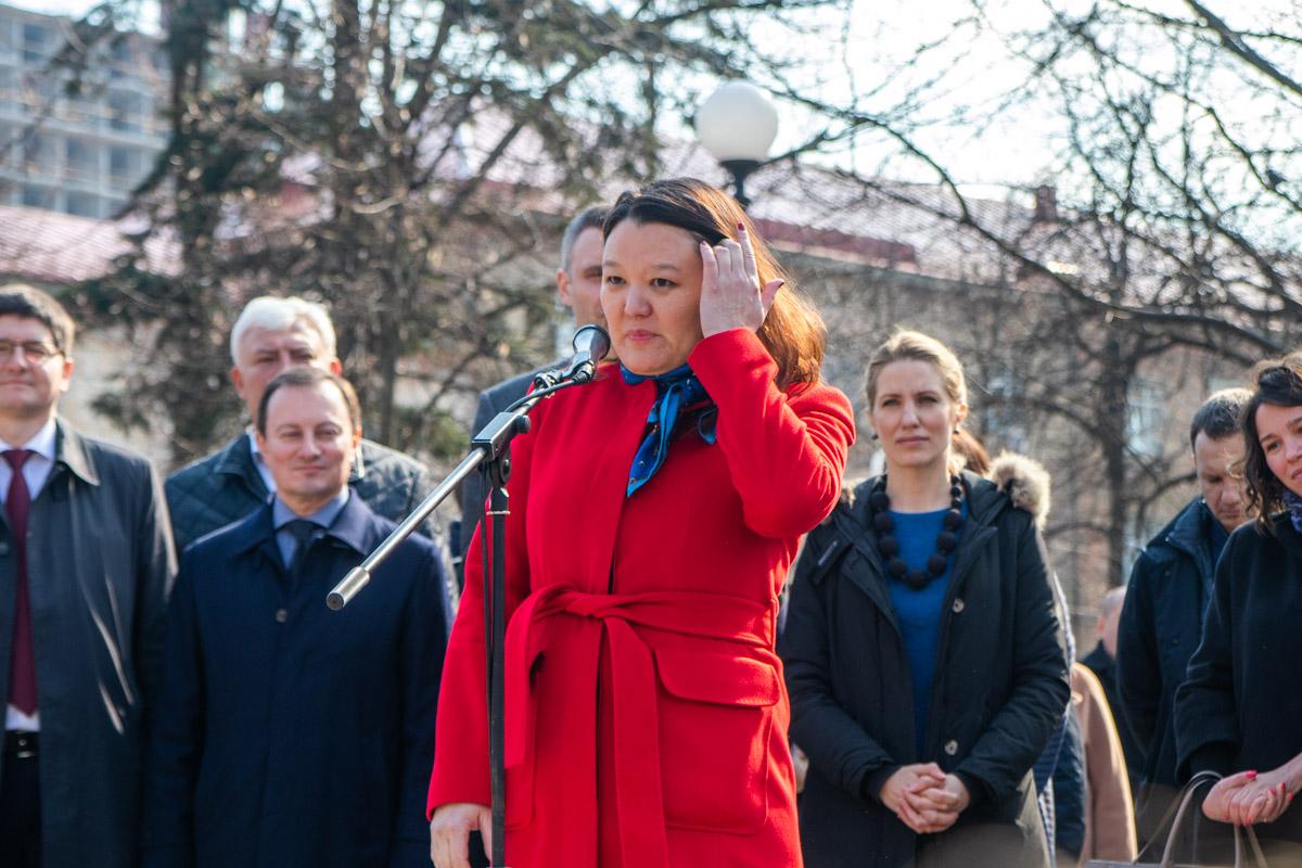 Президент фонда Свободной России (США) Наталия Арно (Будаева) также активно поддерживает взгляды убитого оппозиционера