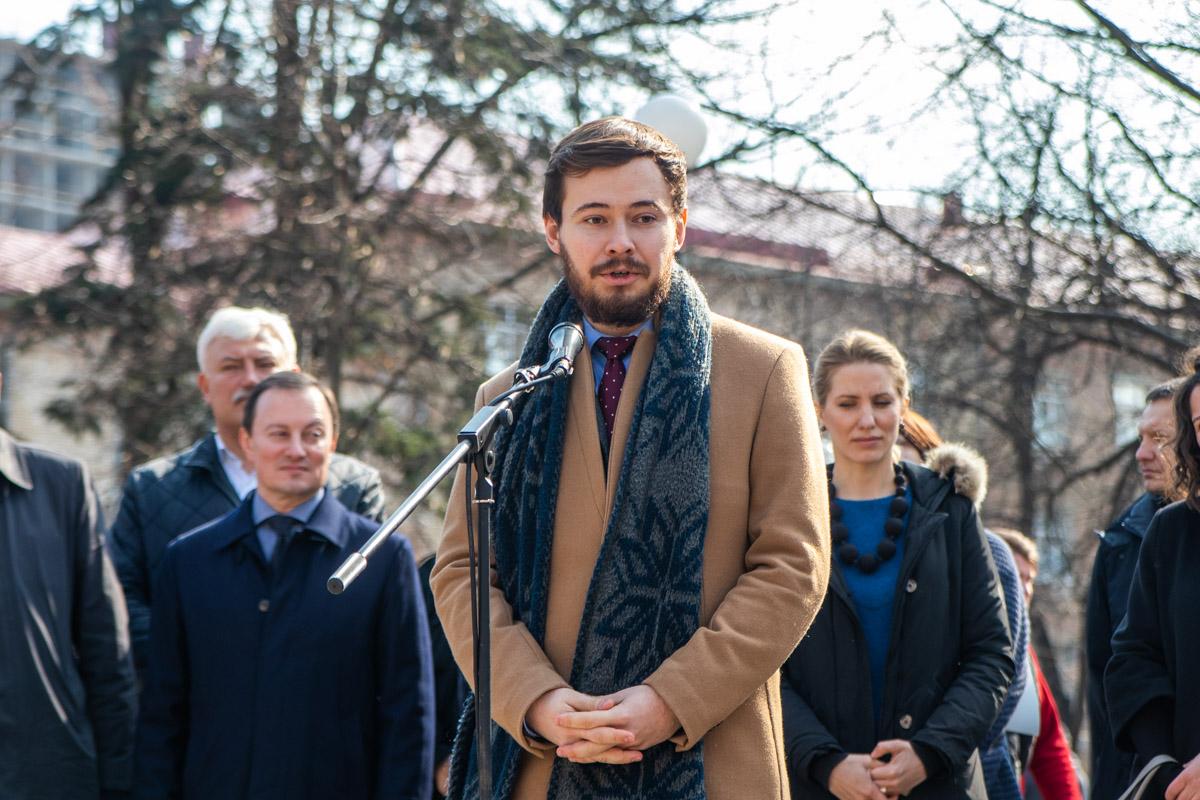 Директор продвижения фонда Свободной России(Украина) Григорий Фролов считает несправедливым смерть политика