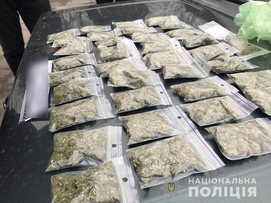 Полиция изъяла товар на сумму около 40 тысяч гривен