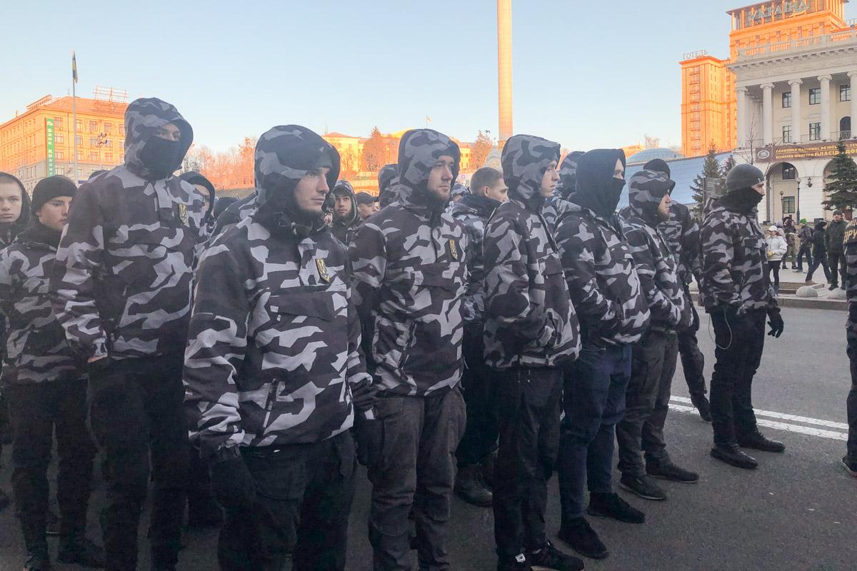 Около тысячи дружинников из 20 областей Украины собрались на Майдане Независимости