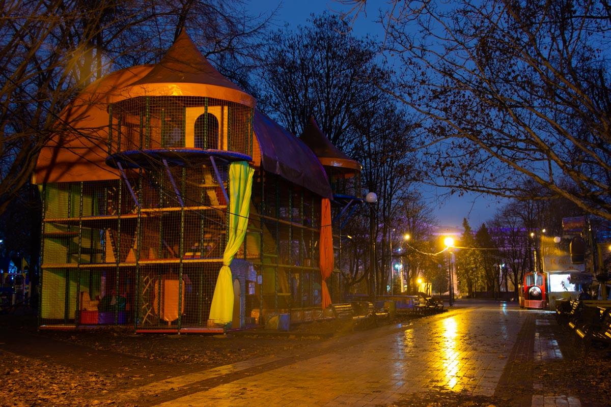 Скоро этот парк зальется невинным и чистым детским смехом