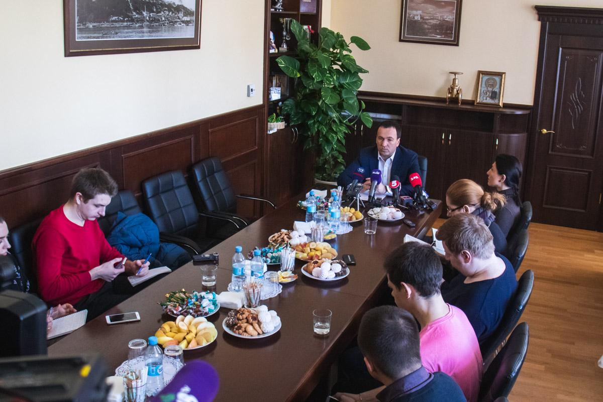 В здании Киевского горсовета прошла встреча заместителя главы КГГА Петра Пантелеева с журналистами