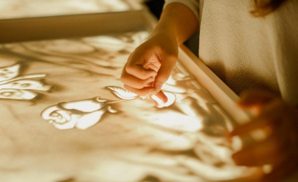 Песочная анимация отлично развивает пластику рук
