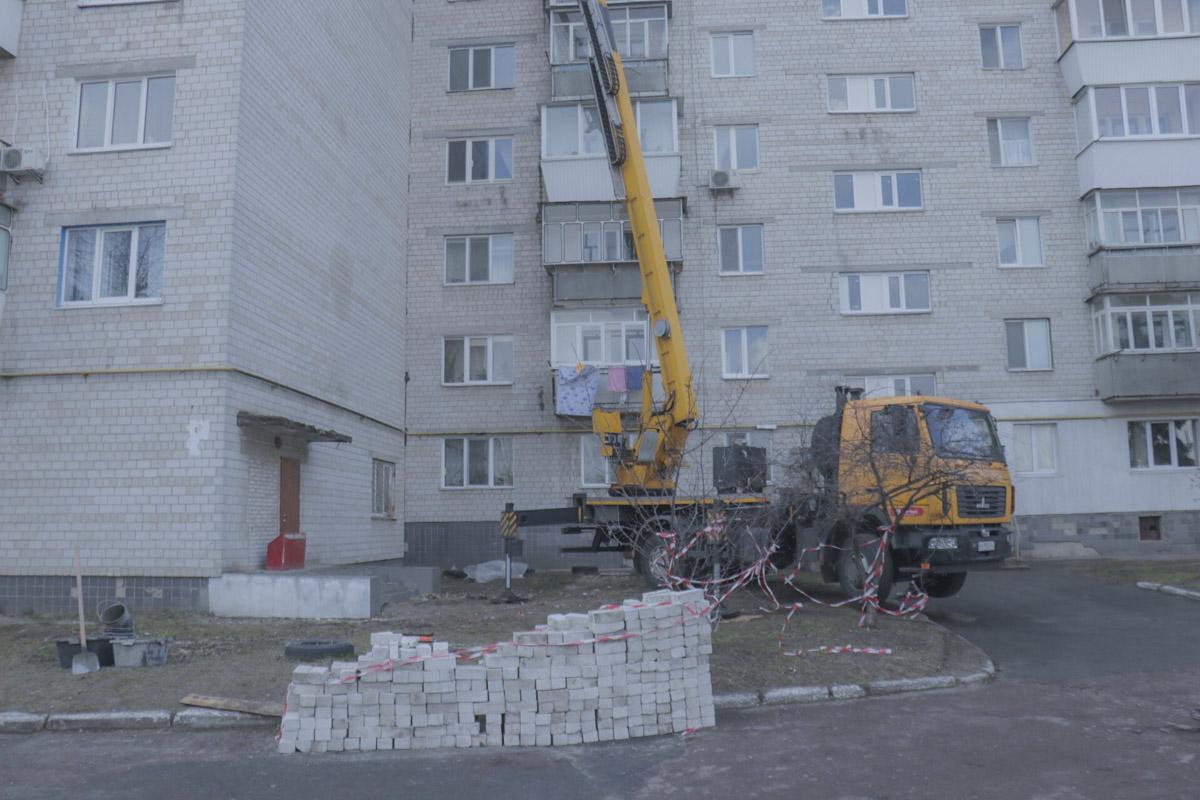Под Киевом в городе Борисполь в результате с падения высоты погиб мужчина.
