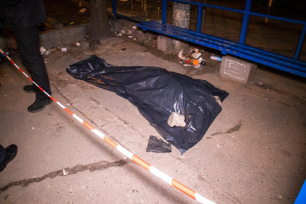 На улице Николая Голего прохожие обнаружили тело мужчины