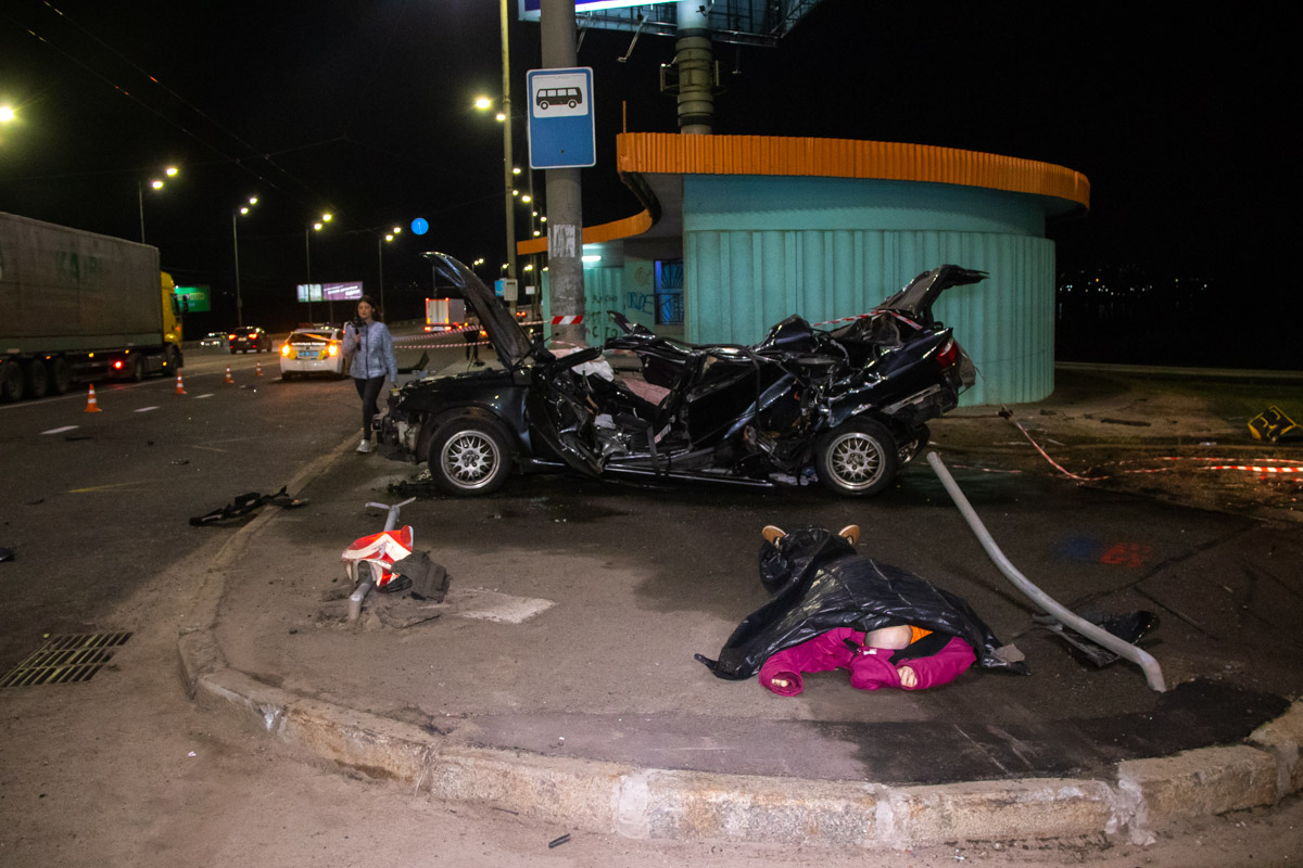 В результате аварии погиб мужчина-пассажир авто