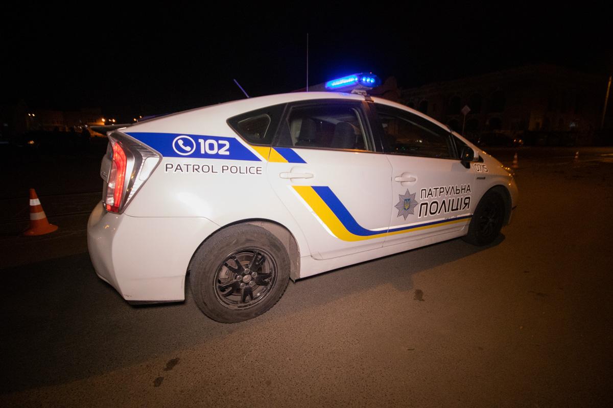 На месте работали сотрудники полиции и медики