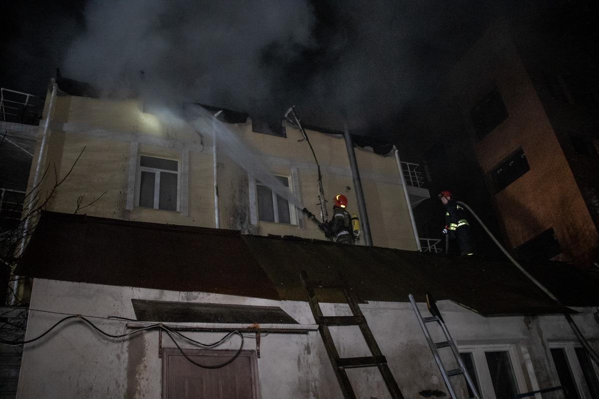 Всего же площадь пожара составила 400 квадратных метров