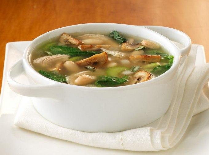 Грибной постный суп получается очень питательным и ароматным