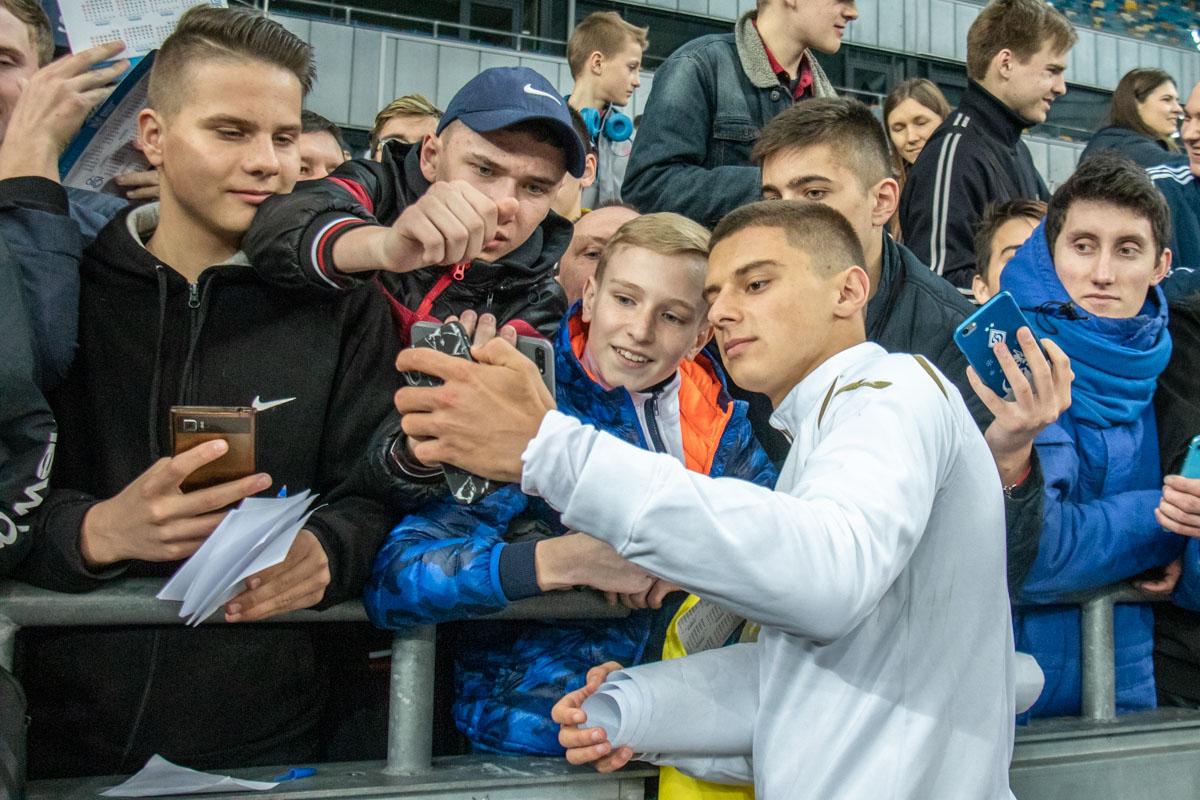 Игроки старались не разочаровать. Например Виталий Миколенко