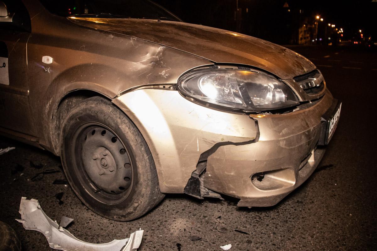 Chevrolet сбил обоих скутеристов