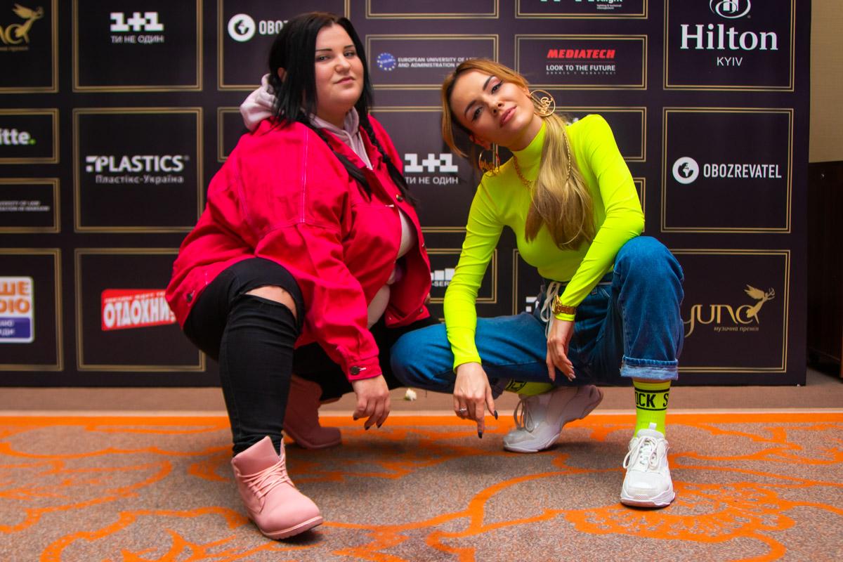 MamaRika также была одной из номинанток на премию за лучший хип-хоп хит