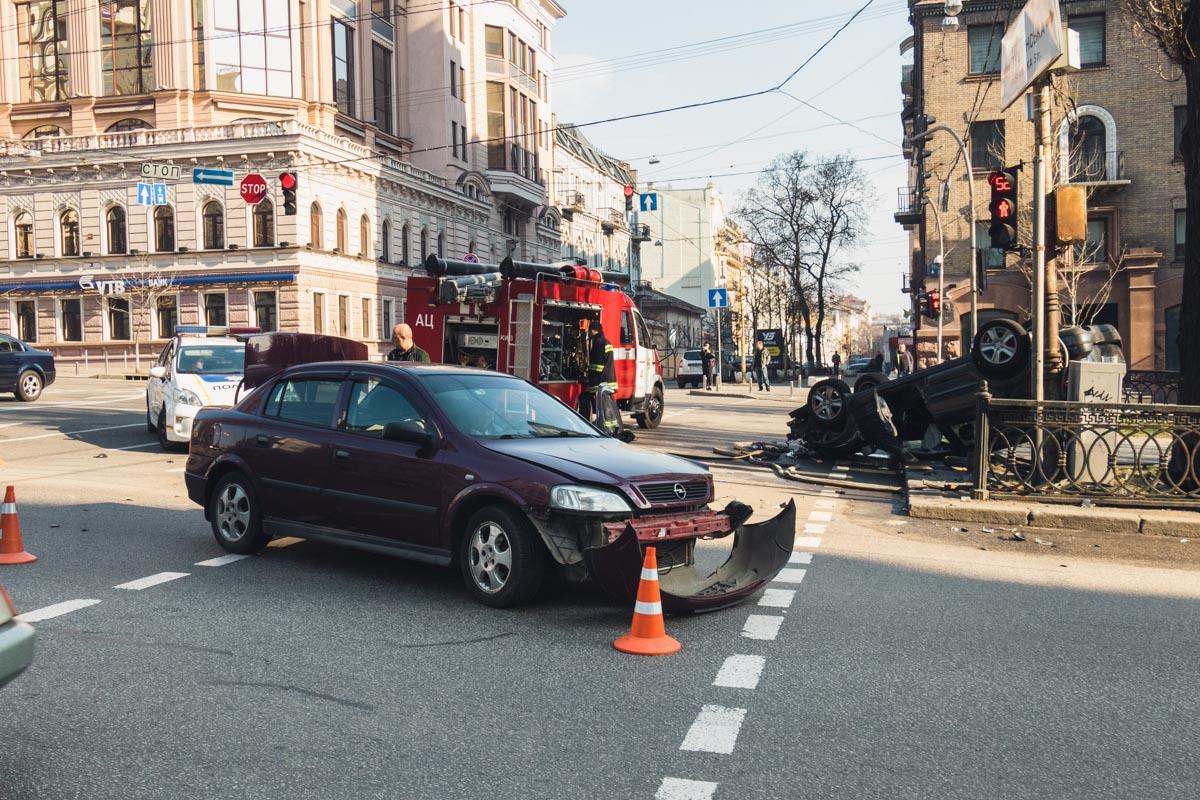 В Киеве столкнулись Opel и Subaru