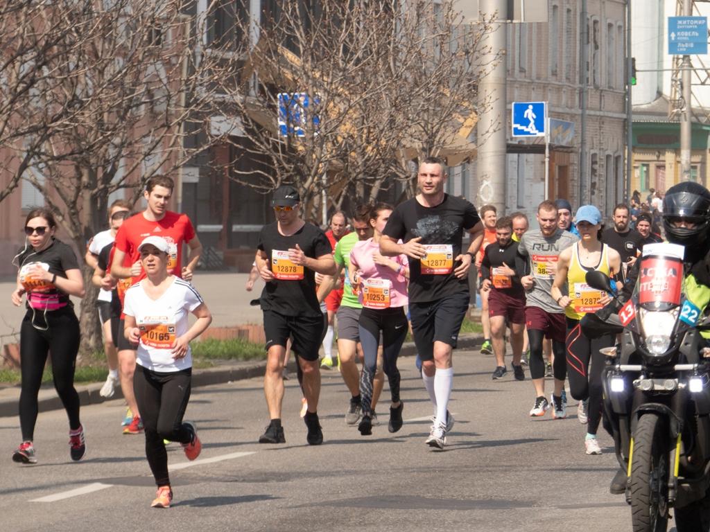 Виталий Кличко преодолел дистанцию в 10 километров