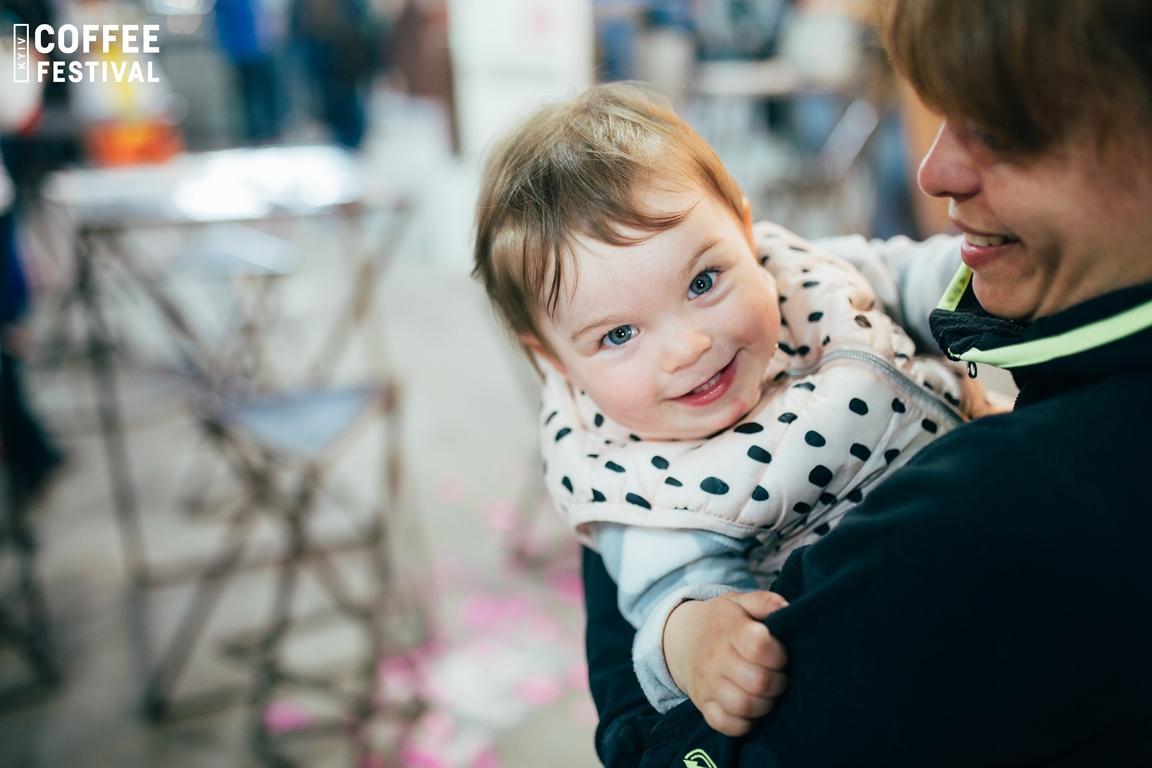 Мамочки могут не бояться брать с собой малышей, им тоже будет чем заняться