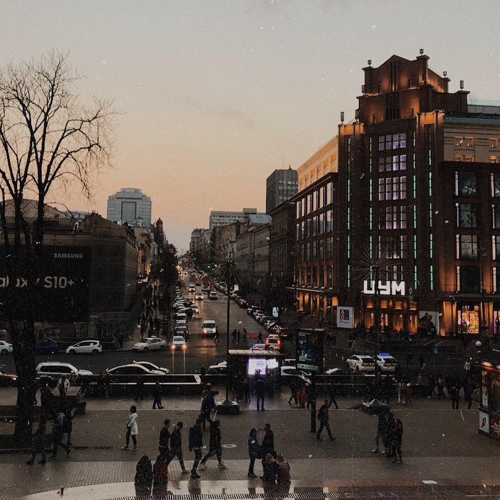 Некоторые фото Киева напоминают кадры из старых фильмов. Фото: @daria.protea