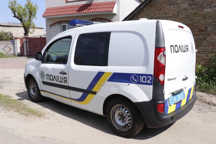 Полиция разыскивает мужчину на темно-синем Opel Astra с номерами АА 5224 ХЄ