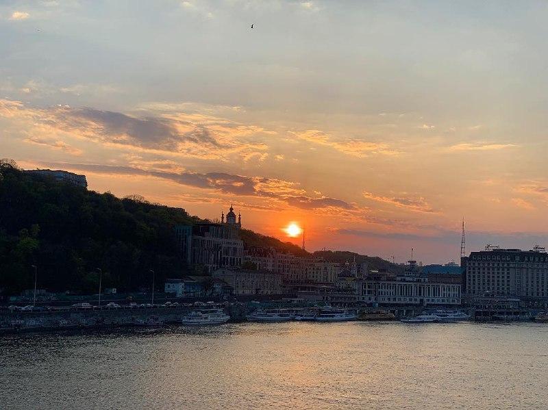 Просыпайся, любимый Киев! Фото: @maryna.titova