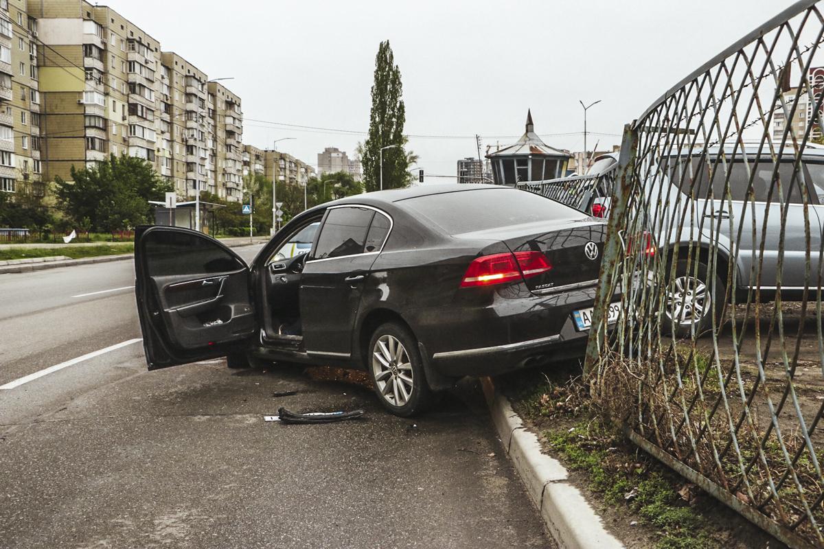 По словам водителя Volkswagen, его подрезал Daewoo, который с второстепенной поворачивал на противоположную сторону дороги