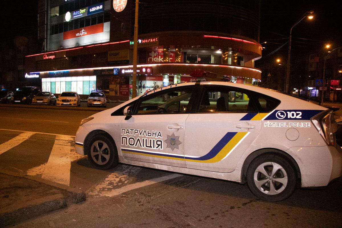 На время работы спасателей движение по Дарницкой площади было частично ограничено