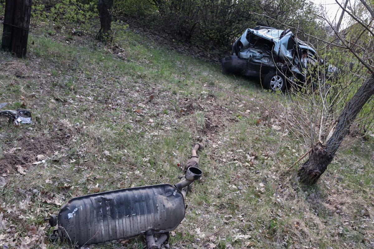 На Старообуховской трассе под Киевом столкнулись три автомобиля