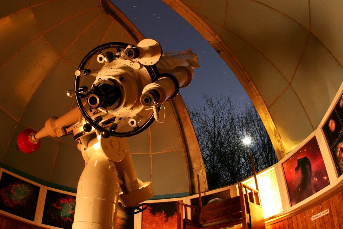 Смотреть на звезды - это не только романтично, но еще и познавательно