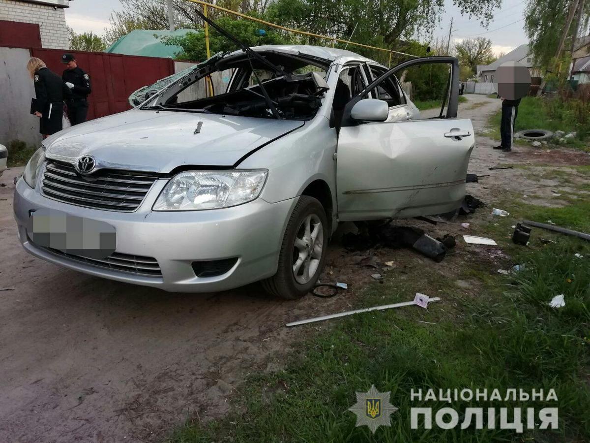 В результате взрыва гранаты в салоне авто пострадал водитель - 45-летний местный житель