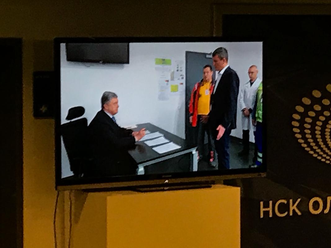 Президент Украины Петр Порошенкосдал анализы на наличие наркотических веществ в крови