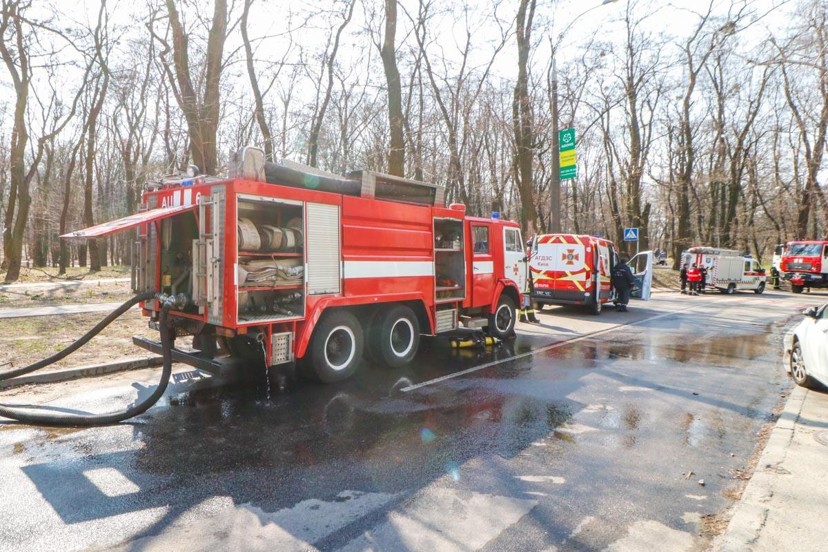 """На месте работали спасатели ГСЧС, патрульная полиция, """"скорая"""" и следственно-оперативная группа"""