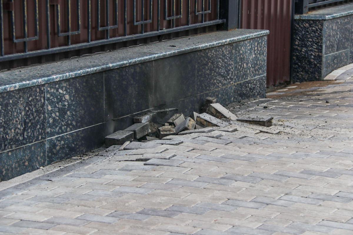 По официальной информации от полиции Киева, причиной взрыва стал высоковольтный кабель