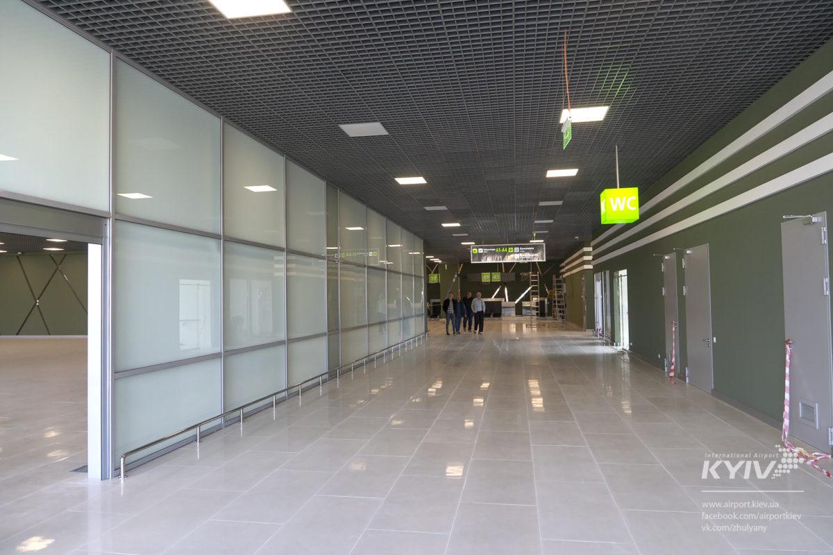 Такой светлый и красивый аэропорт точно запомниться как туристам, так и жителям Киева