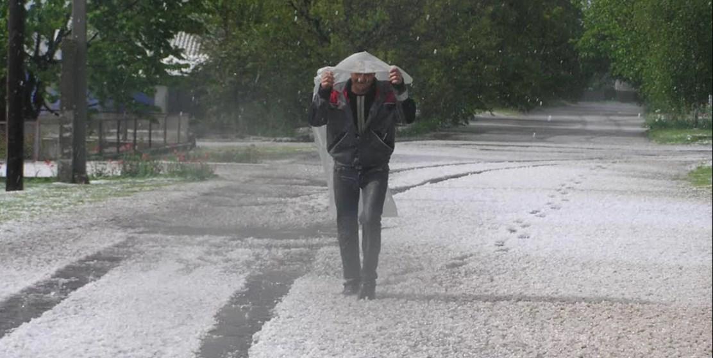 Плохая погода налетела на территорию Украины максимально внезапно и, как всегда, не вовремя