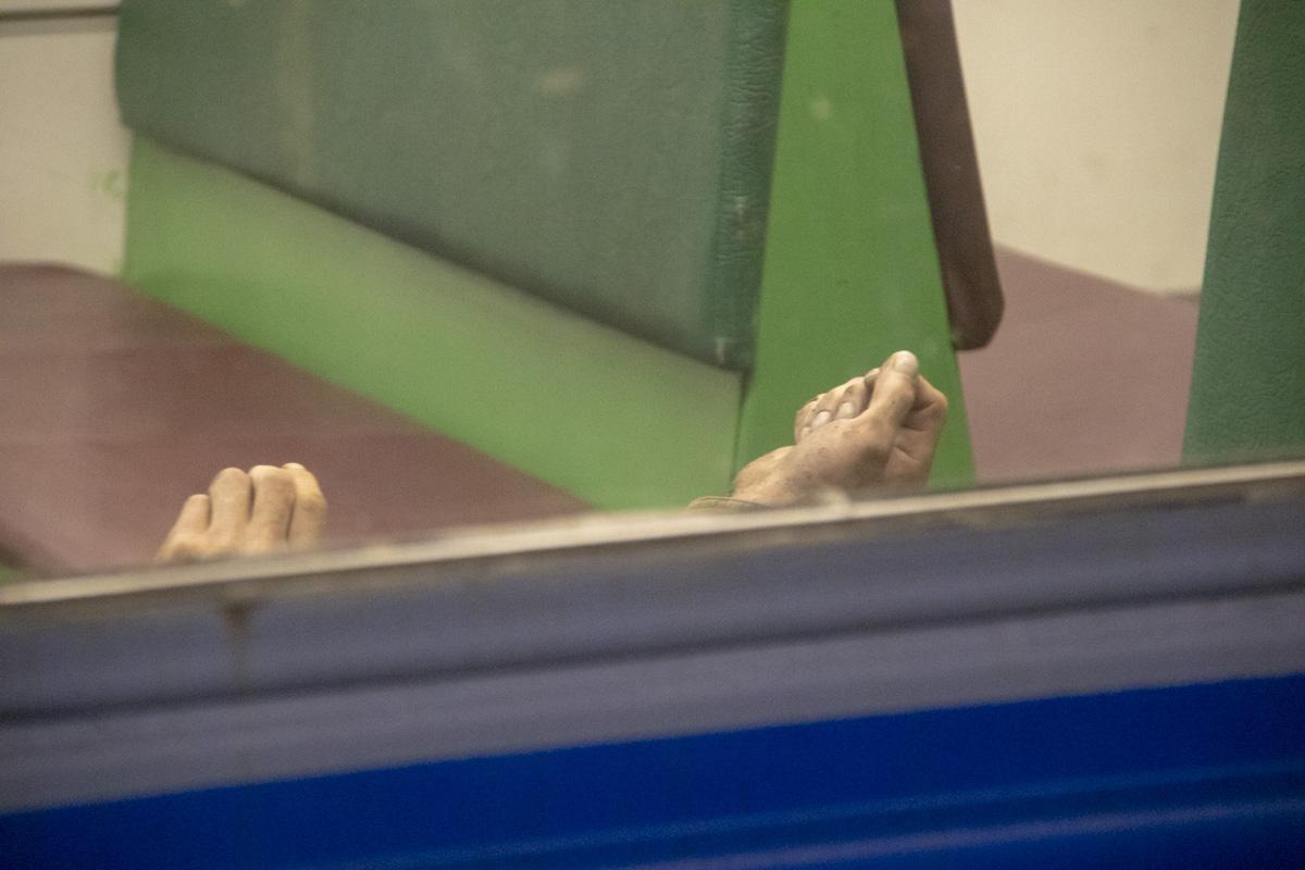 Мертвого мужчину обнаружили пассажиры электрички