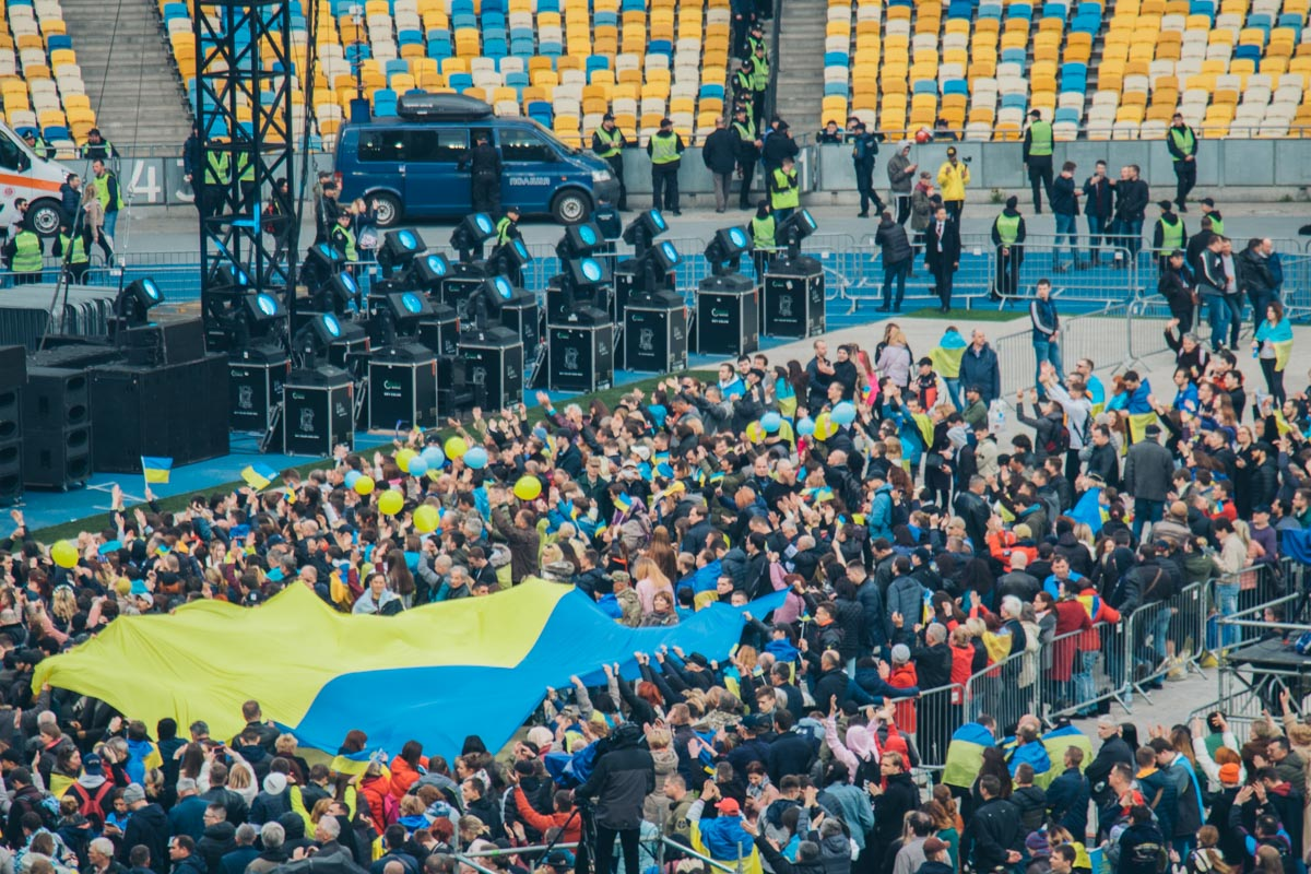 В пятницу, 19 апреля, на НСК «Олимпийский» в Киеве прошли долгожданные дебаты кандидатов в Президенты Украины — Владимира Зеленского и Петра Порошенко