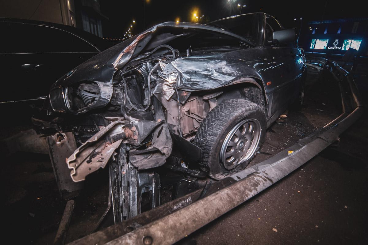 Водителем BMW оказался студент, который приехал из Азербайджана