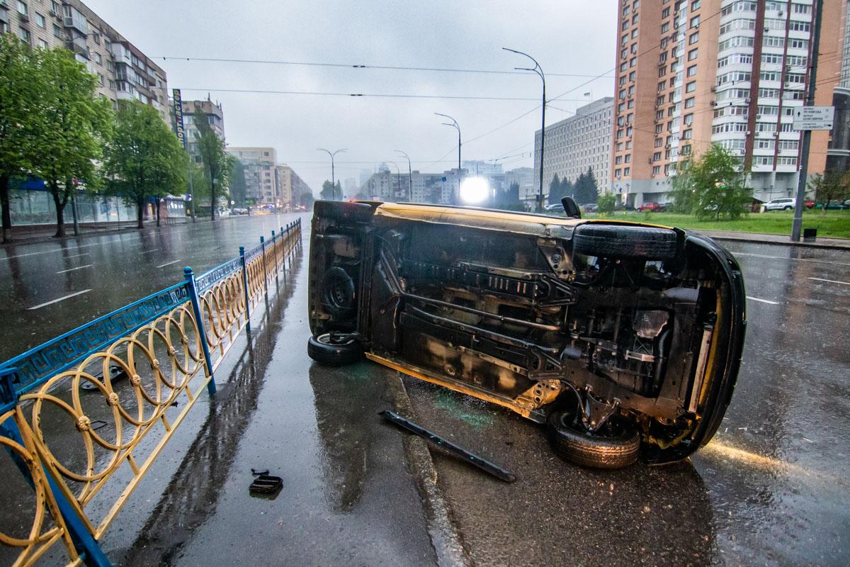 Из-за погодных условий водитель не справился с управлением