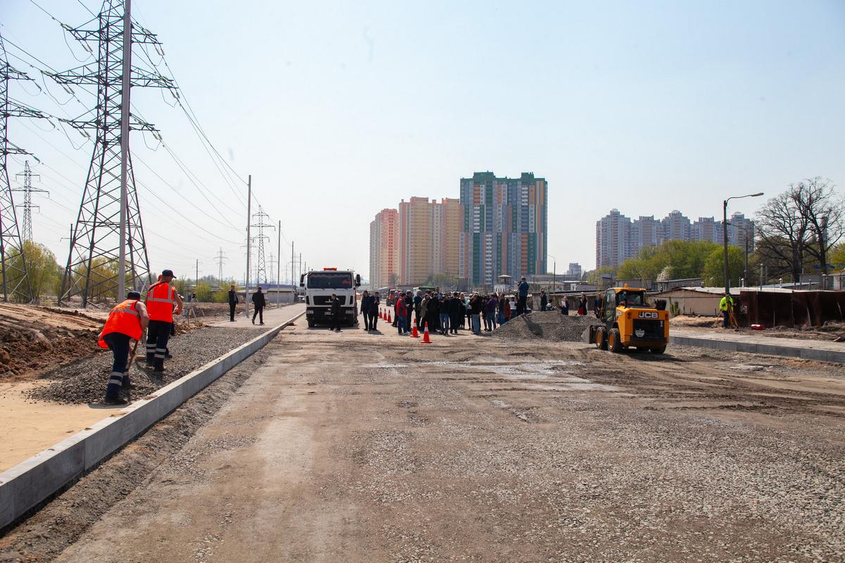 В Киеве полным ходом идет реконструкция улицы Семьи Кульженко