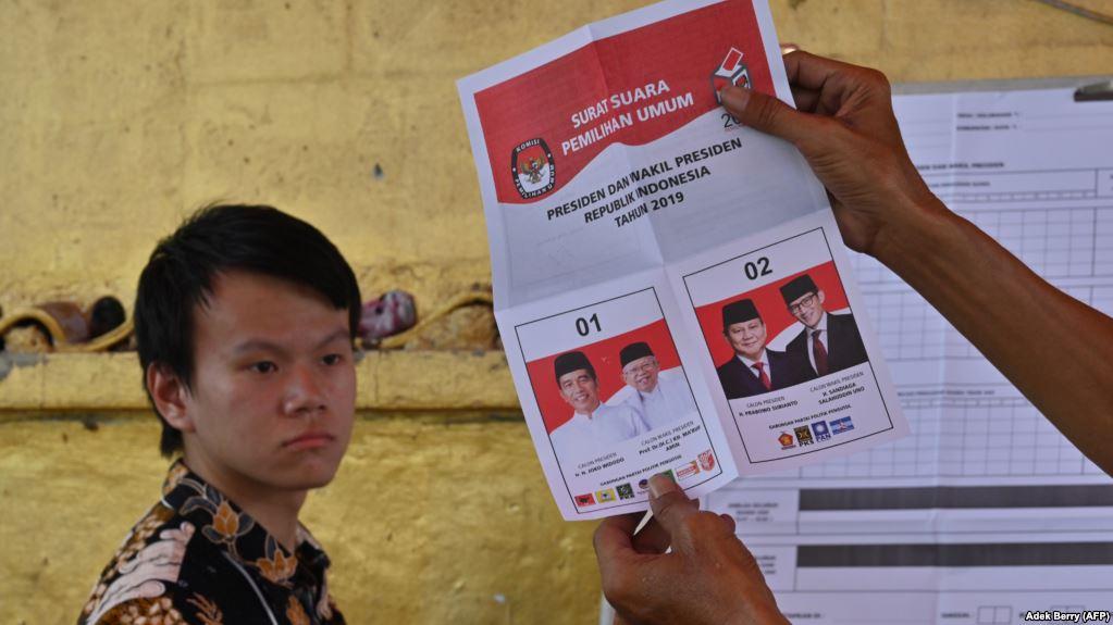 В Индонезии по меньшей мере 92 члена избирательной комиссии умерли от переутомления