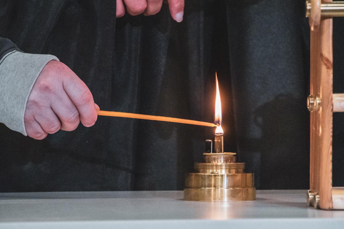 Там все желающие прихожане смогут зажечь свои свечи от благодатного огня
