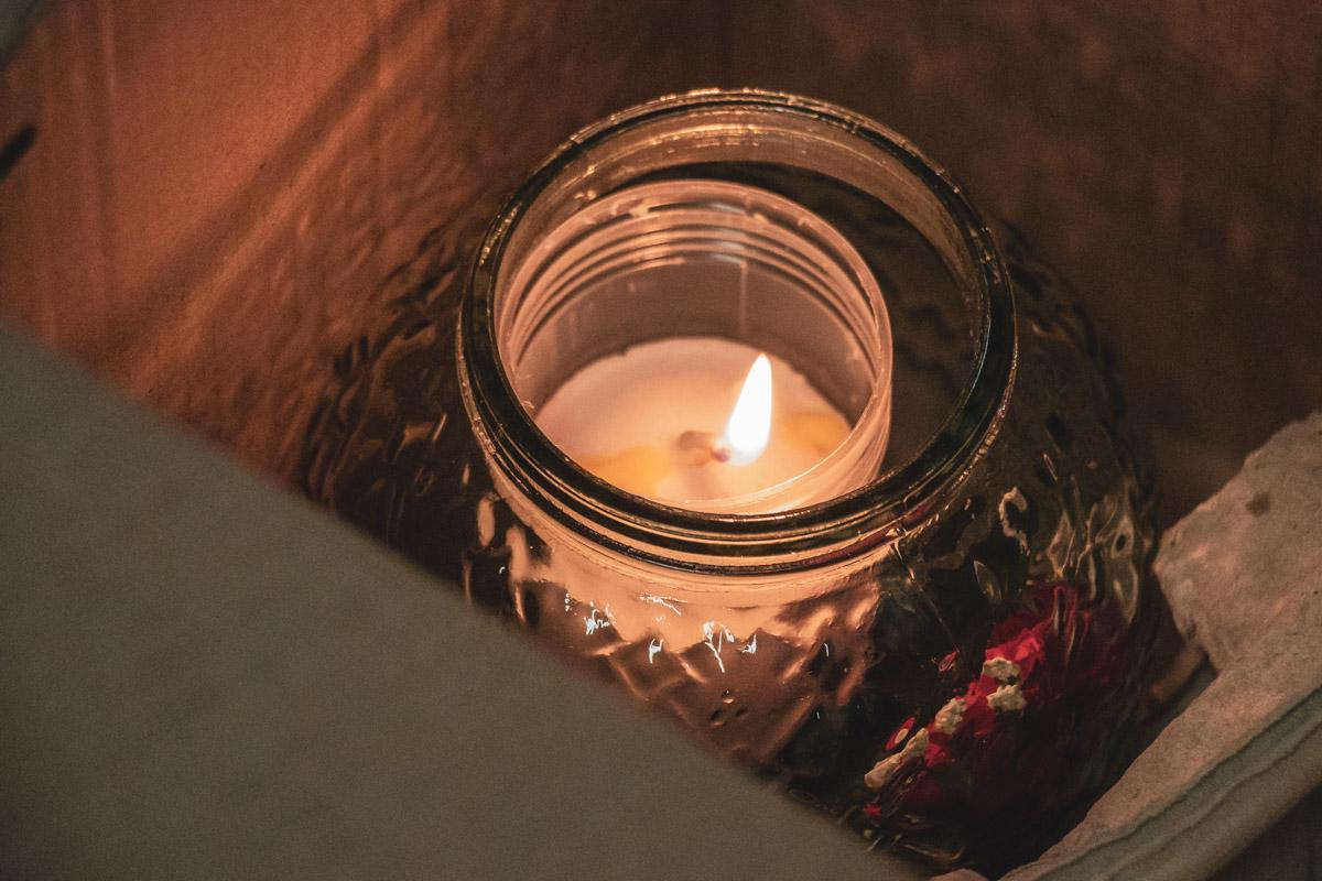 Данное событие называют чудом, ведь оно происходит непосредственно за день до самого светлого праздника в году - Пасхи