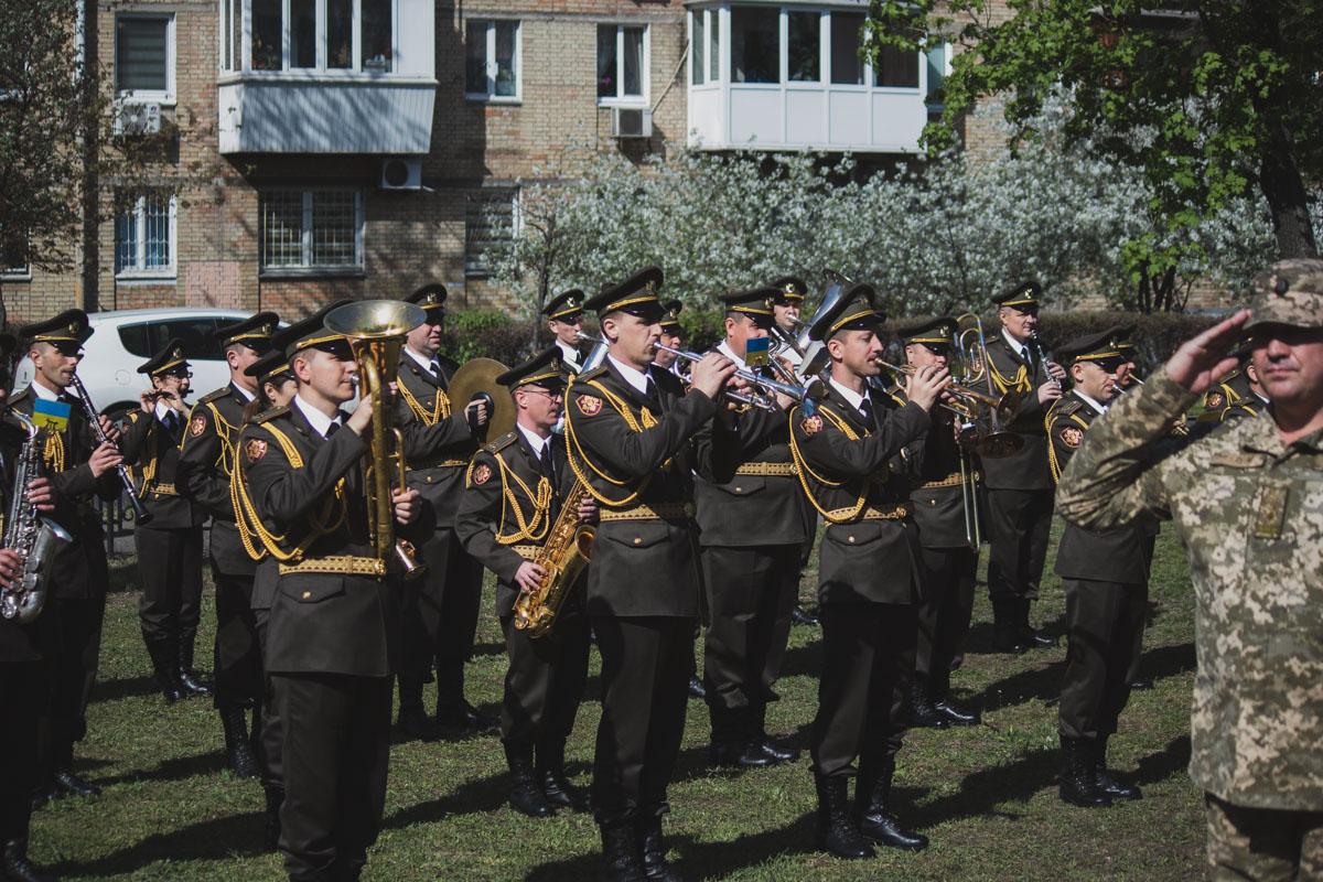 Гимн Украины от такого оркестра звучит более чем торжественно!