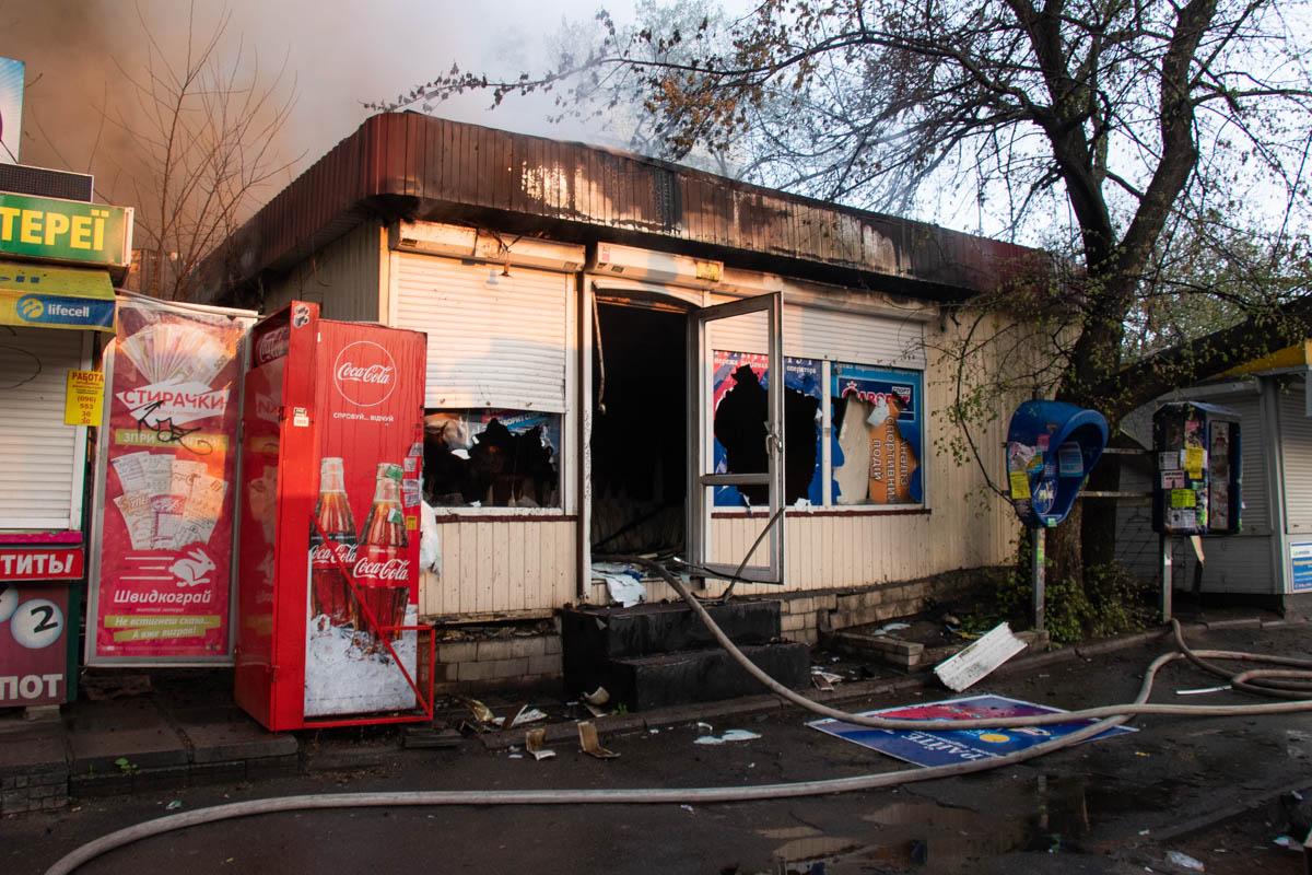 На улице Вышгородской произошел пожар