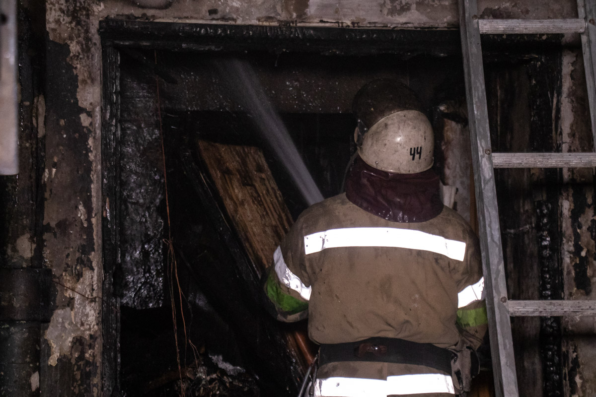 Благодаря слаженной работе спасателей удалось избежать распространения огня