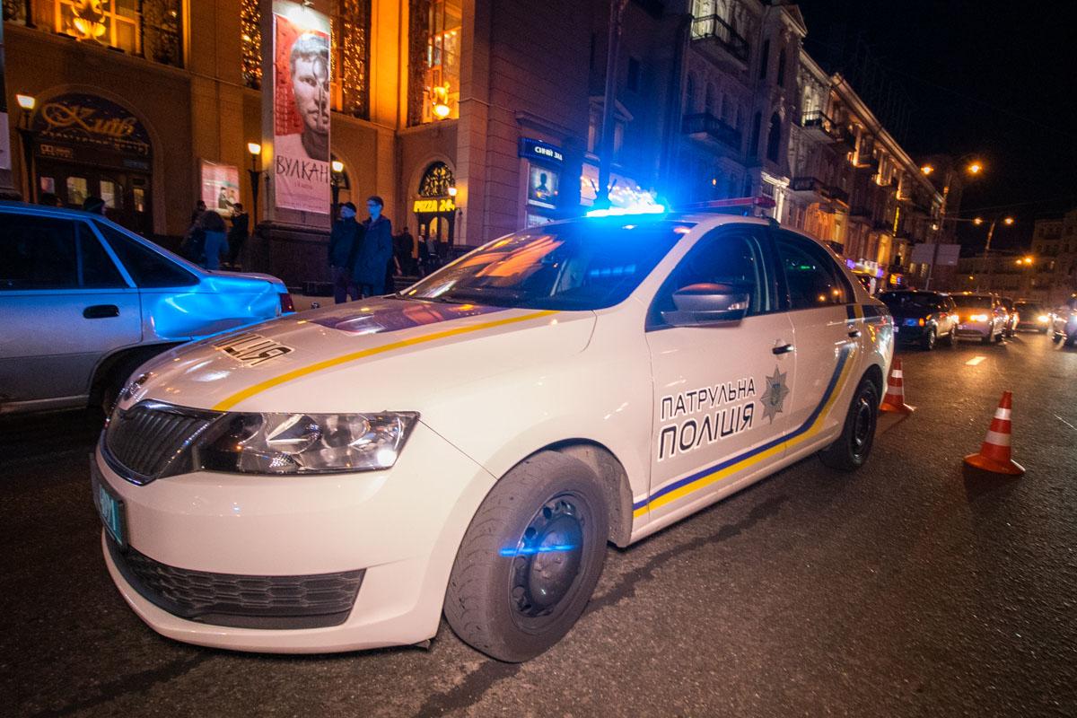 На месте работали две кареты скорой помощи и экипаж патрульной полиции