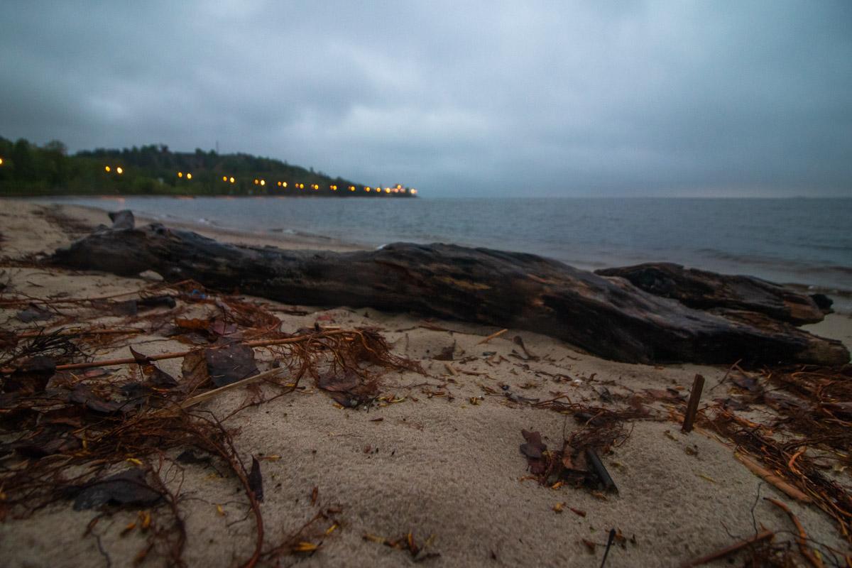 Песок, шум волн и тишина вокруг...