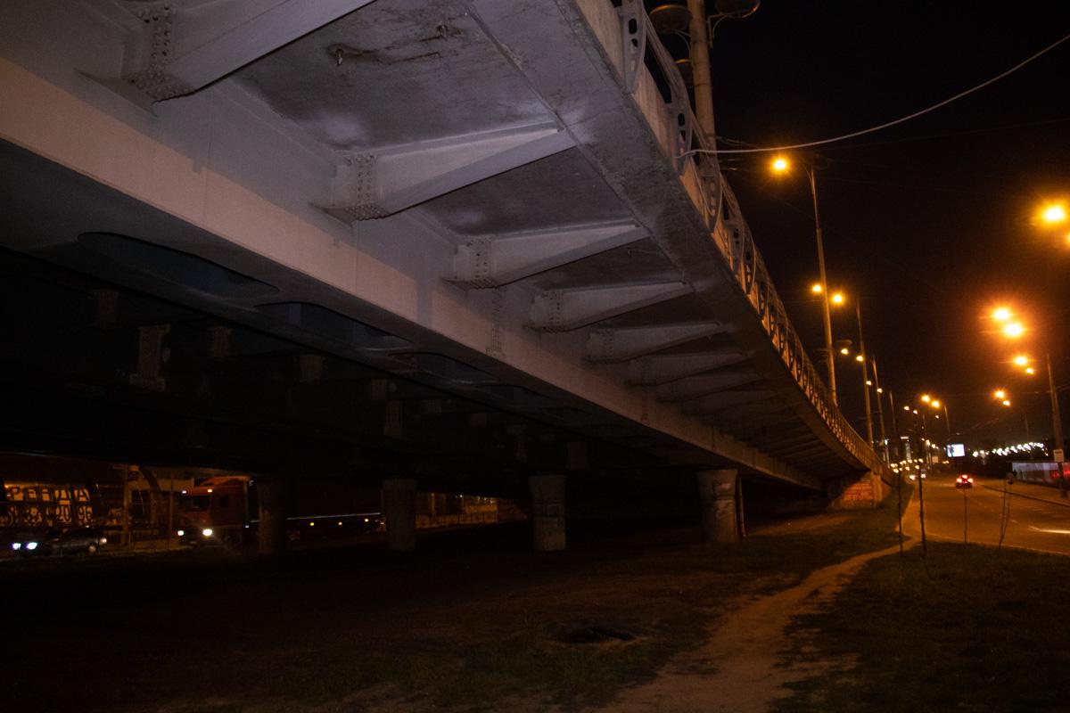 Тело находилось под мостом Голосеевского проспекта