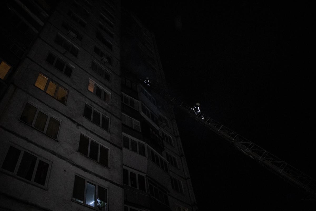 Благодаря слаженной работе спасателей огонь удалось оперативно ликвидировать и не дать ему распространиться